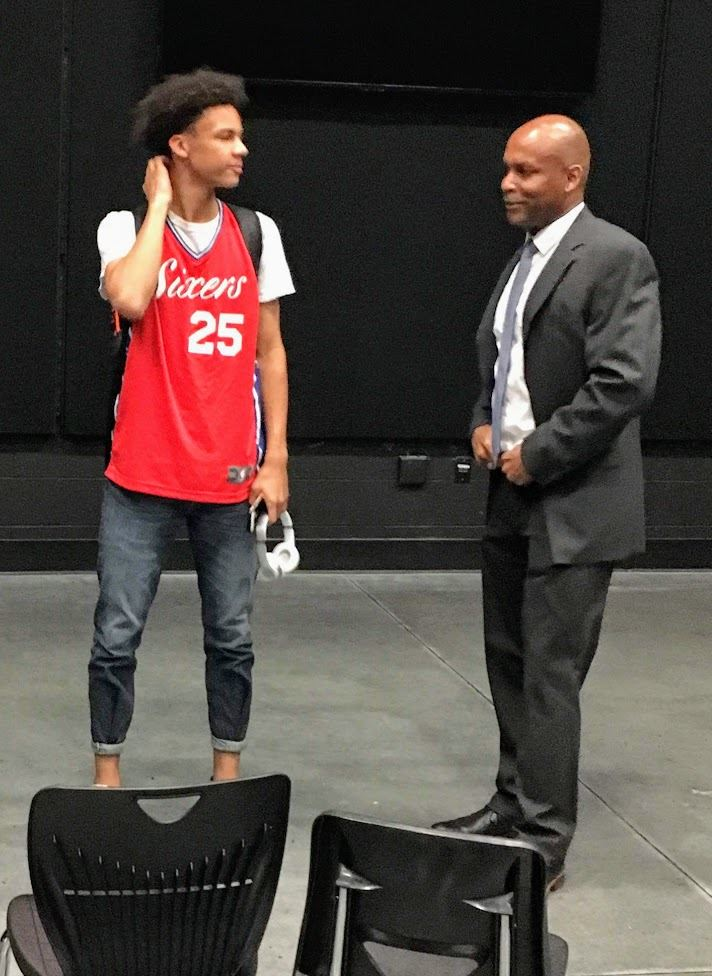Monroe meets with LHS student Isaiah Mayo